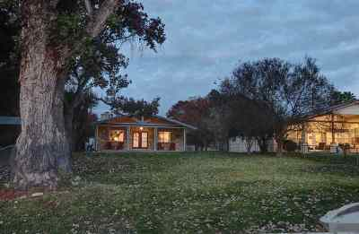 Burnet County Single Family Home For Sale: 2818 Lakeview