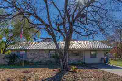 Marble Falls Single Family Home Pending-Taking Backups: 1108 Ash