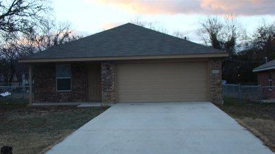 Lampasas Single Family Home For Sale: 903 E Ave. C