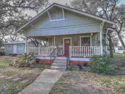 Burnet County Single Family Home Pending-Taking Backups: 220 Bedell