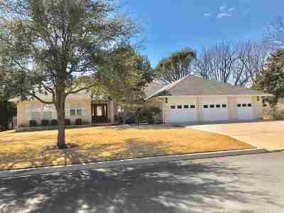 Burnet County Single Family Home For Sale: 303 Columbine St