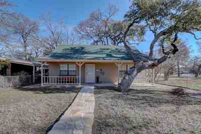 Burnet County Single Family Home For Sale: 817 Woodland Hills