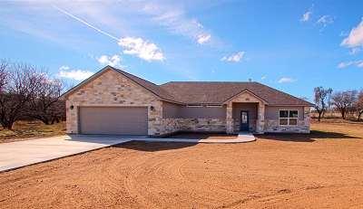 Kingsland Single Family Home For Sale: 2101 River Oaks Dr.