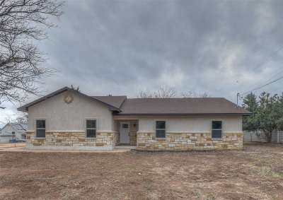 Burnet County Single Family Home For Sale: 614 Maple