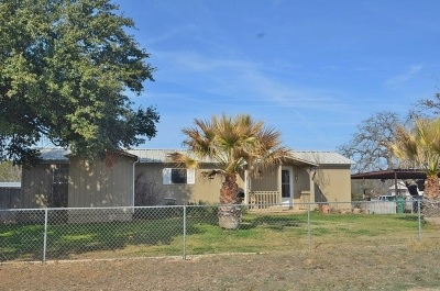 Kingsland Single Family Home For Sale: 610 Breezy Lane