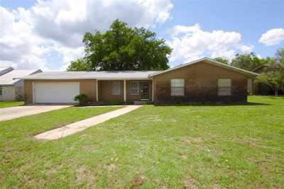 Kingsland Single Family Home For Sale: 203 McGee