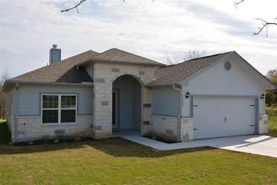 Kingsland TX Single Family Home For Sale: $1,750