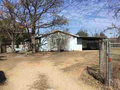 Burnet County Single Family Home For Sale: 164 W Stonecastle