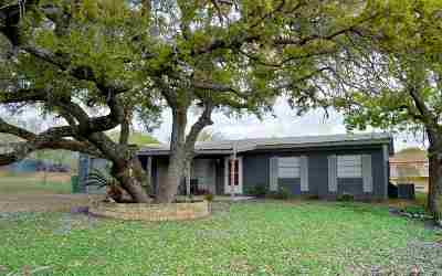 Kingsland Single Family Home Pending-Taking Backups: 210 Oak