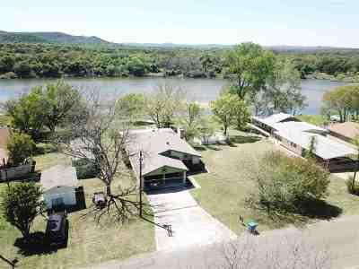Kingsland Single Family Home Pending-Taking Backups: 4706 River Oaks