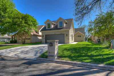 Burnet County Single Family Home For Sale: 349 Meadowlakes Dr.