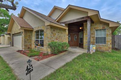 Marble Falls Single Family Home For Sale: 706 Woodland Park