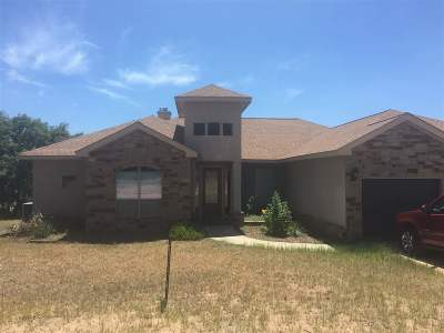 Kingsland TX Single Family Home For Sale: $525,000