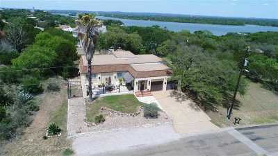 Horseshoe Bay TX Single Family Home For Sale: $339,000