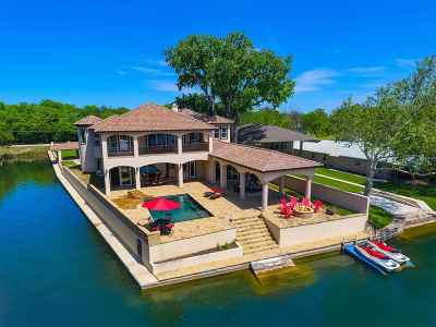 Single Family Home For Sale: 322 East Lakeshore