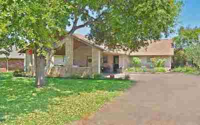 Burnet County Single Family Home For Sale: 430 St Andrews