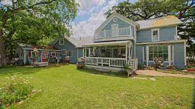 Burnet County Single Family Home For Sale: 301 E League