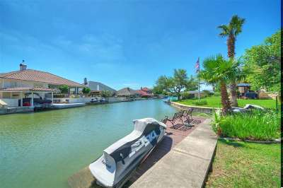 Horseshoe Bay W Single Family Home For Sale: 3012 Driftwood