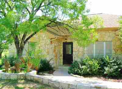 Marble Falls TX Single Family Home For Sale: $370,000