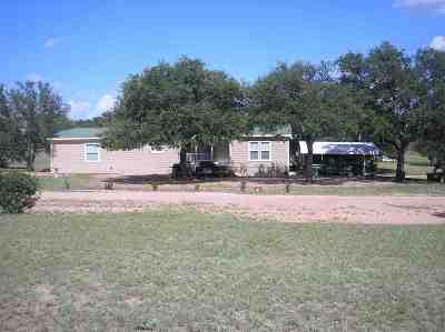 Kingsland TX Single Family Home For Sale: $169,000