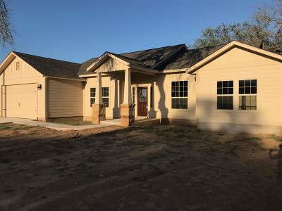Bertram TX Single Family Home For Sale: $224,500