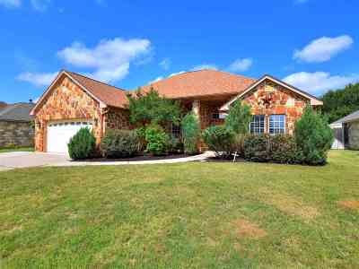 Kingsland TX Single Family Home For Sale: $249,000