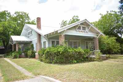 Lampasas Single Family Home For Sale: 1116 E 4th St