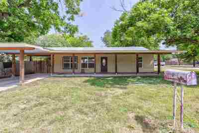 Burnet Single Family Home Pending-Taking Backups: 308 E Marble