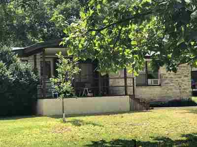 Burnet Manufactured Home For Sale: 210 Chisum Trl