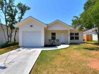 Kingsland TX Single Family Home For Sale: $153,500