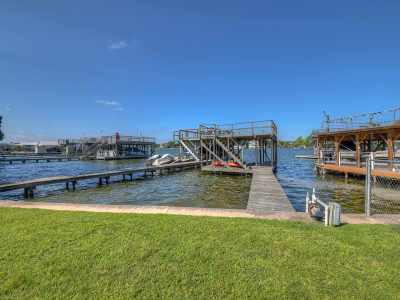 Single Family Home For Sale: 254 E Lakeshore