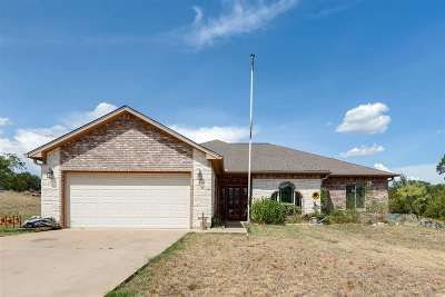 Kingsland TX Single Family Home For Sale: $195,000