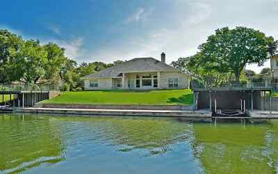 Single Family Home For Sale: 307 E Pheasant