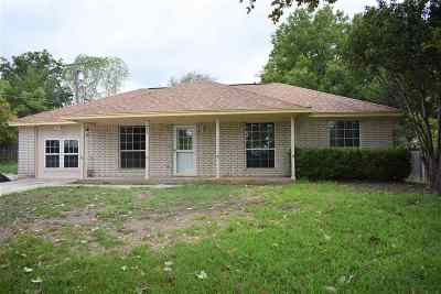 Lampasas County Single Family Home For Sale: 302 N Willis