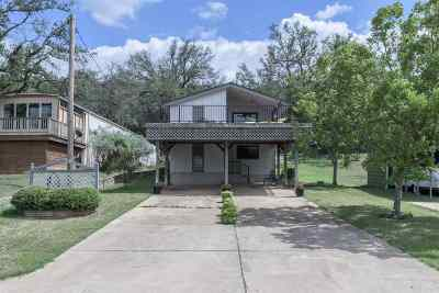 Burnet County Single Family Home For Sale: 233 Golf Course