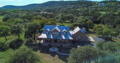 Burnet County Single Family Home For Sale: 906 Escalar