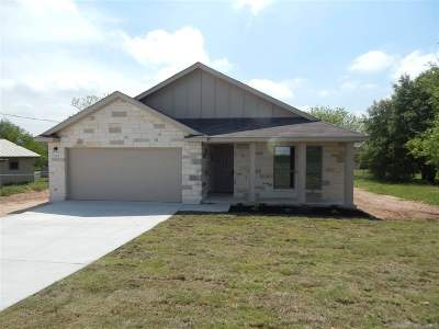 Marble Falls TX Single Family Home For Sale: $259,900