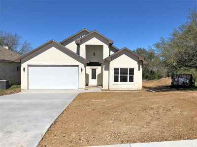 Marble Falls Single Family Home For Sale: 93 Primrose