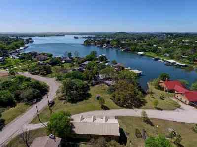 Single Family Home For Sale: 216 E Lakeshore