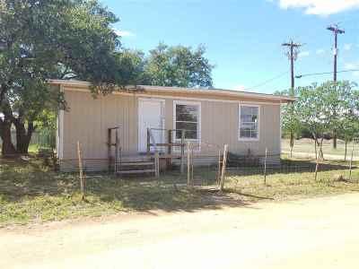 Kingsland TX Single Family Home For Sale: $89,000