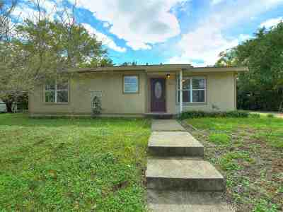 Burnet County Single Family Home For Sale: 916 Colorado