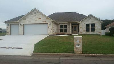Burnet County Single Family Home For Sale: 107 Broadmoor