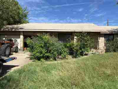 Kingsland TX Single Family Home For Sale: $225,000