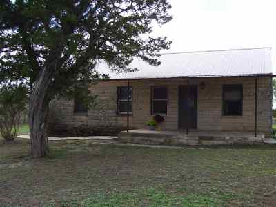 Burnet County Single Family Home Temporarily Off Market: 1750 County Road 213
