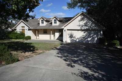 Lampasas County Single Family Home For Sale: 47 Castleberry