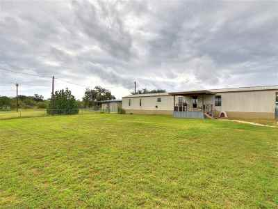 Kingsland TX Manufactured Home Temporarily Off Market: $75,000