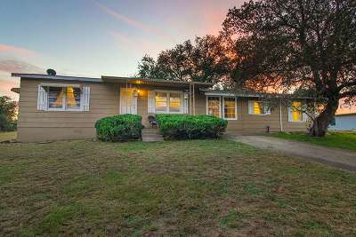 Horseshoe Bay TX Single Family Home For Sale: $215,000