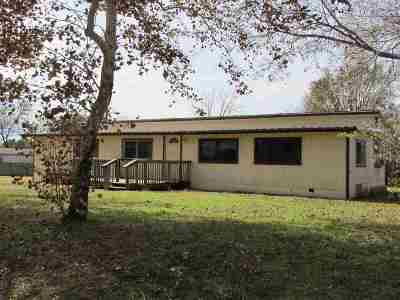 Spicewood Manufactured Home For Sale: 111 Linda