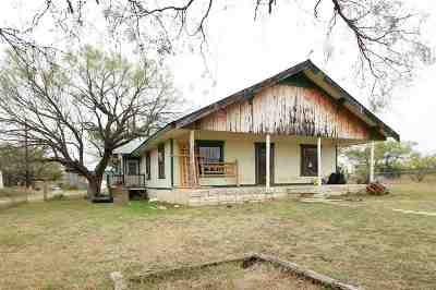 Lampasas County Single Family Home For Sale: 4062-1 N Us Highway 281