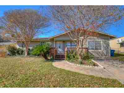 Marble Falls Single Family Home Pending-Taking Backups: 306 Ave D